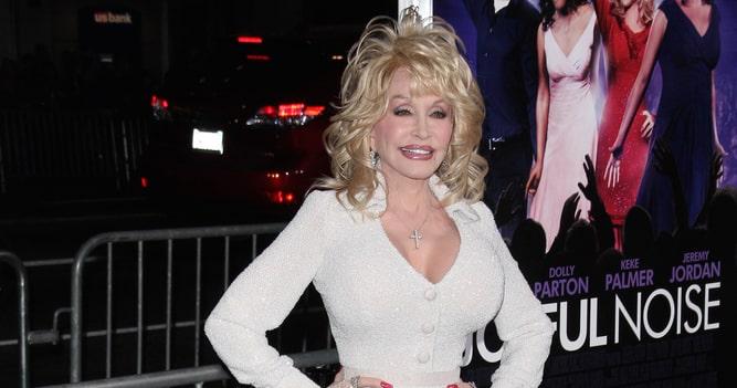 Dolly Parton Discusses Plastic Surgery