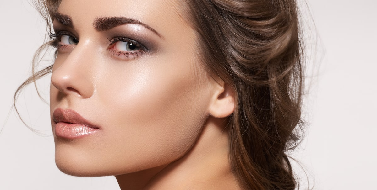Get a defined jawline with cosmetic surgery