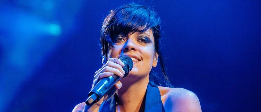 Singer, Lily Allen admits to liposuction